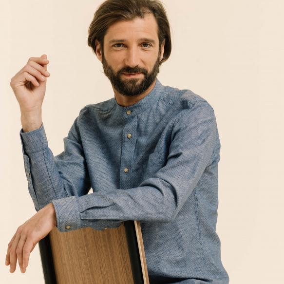 Chemise décontractée en lin et coton bleue à pois