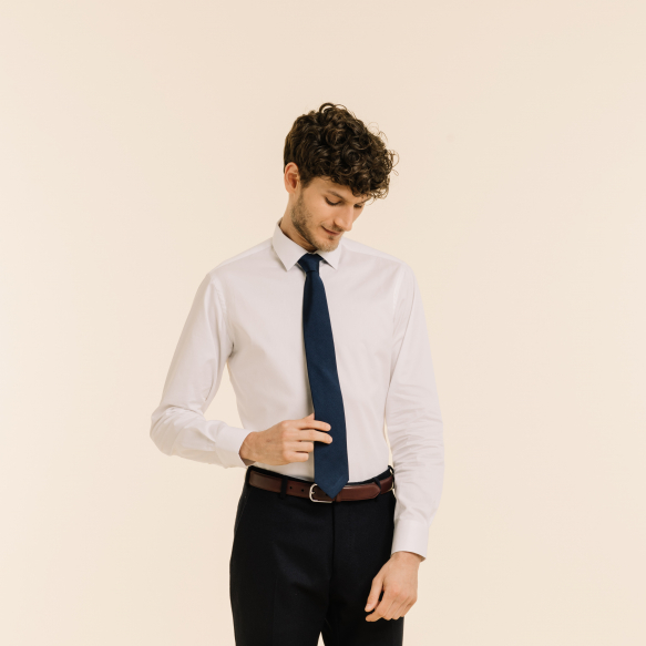 Cravate bleu nuit