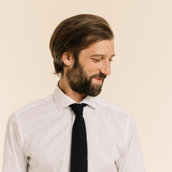 Cravate bleu foncé en laine