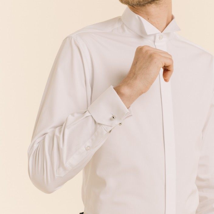 Dress Shirt With Wing Collar