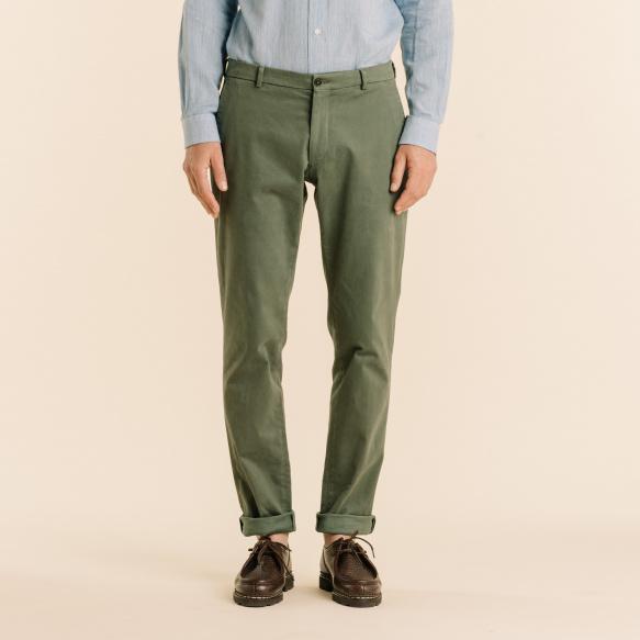 Chino vert kaki