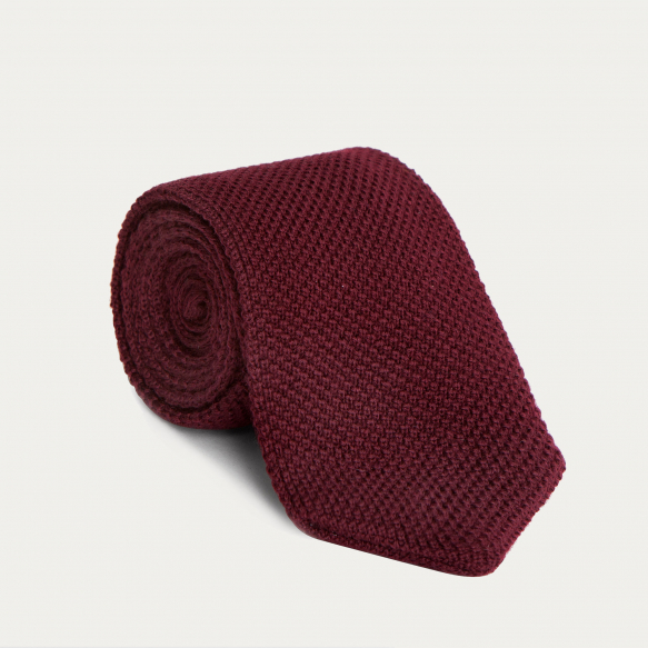 Wool burgundy knitted tie