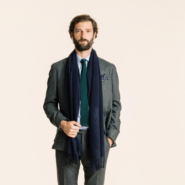 Echarpe en laine vierge bleue