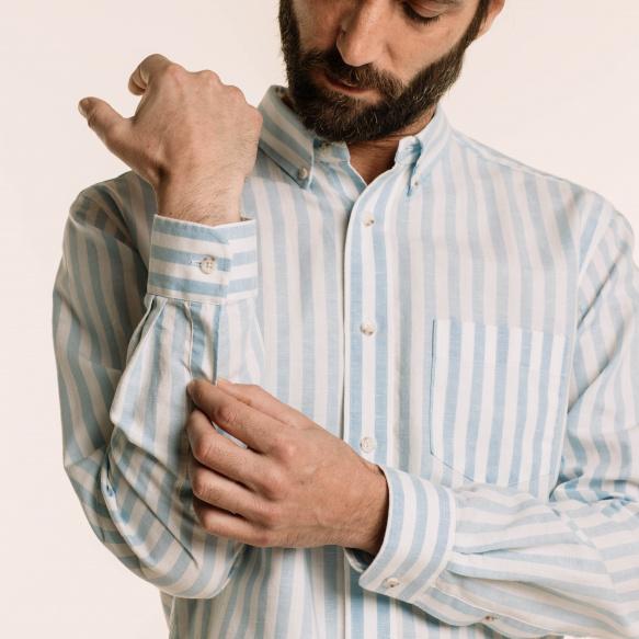Chemise décontractée en lin et coton à larges rayures bleues